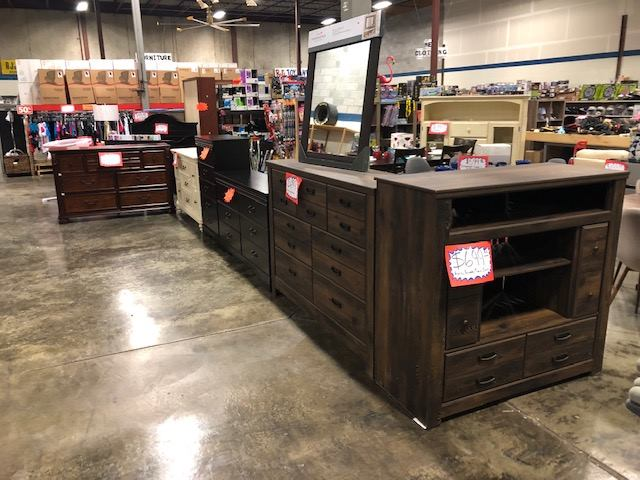 Rj's Discount Store dresser and wardrobes